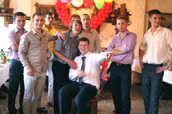 Свадьба. Команда парней.